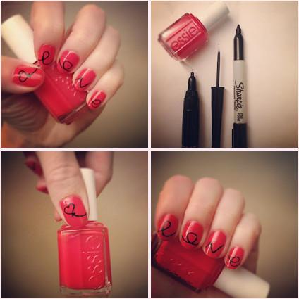 Rot schwarzer Nagellack und Formen