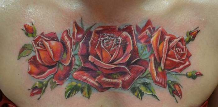 Brust Tattoo Rose Frauen
