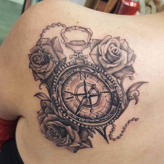 Tattoo Rose Rücken 8