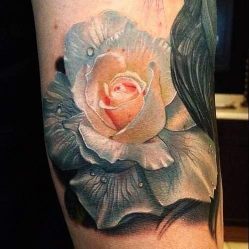 Tattoo ein Schulter-Mädchen