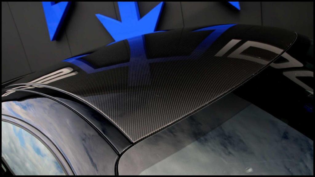 Mercedes-AMG-GT-R_12