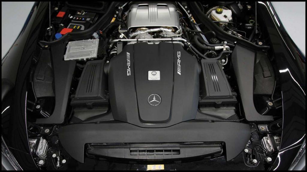 Mercedes-AMG-GT-R_14