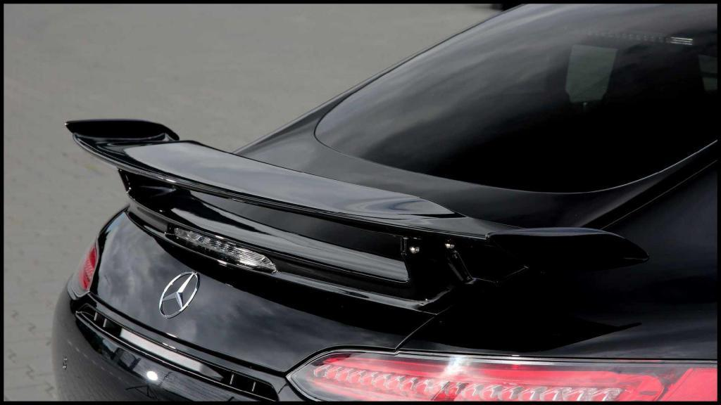 Mercedes-AMG-GT-R_8